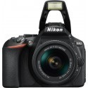 Nikon D5600 + 18-55mm AF-P VR Kit, must