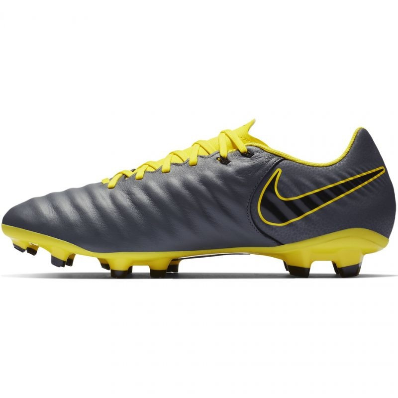 low priced bff8f 3e49f Kids grass football shoes Nike Tiempo Legend 7 Academy FG M AH7242-070