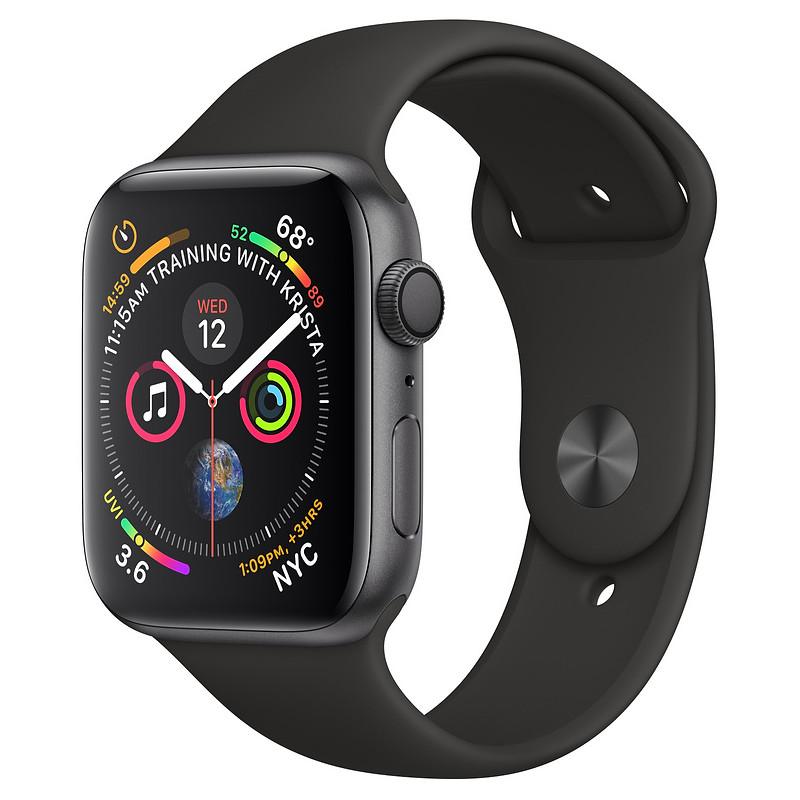 Apple Watch 4 GPS 40mm Sport Band, must