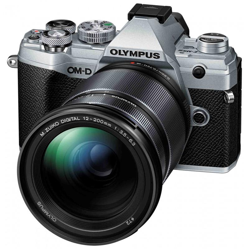 Olympus OM-D E-M5 Mark III + 12-200mm Kit, hõbedane/must