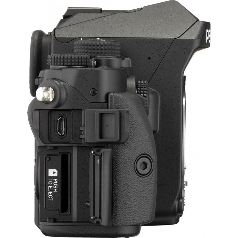 Pentax KP + 18-135mm + camera bag + extra battery, black