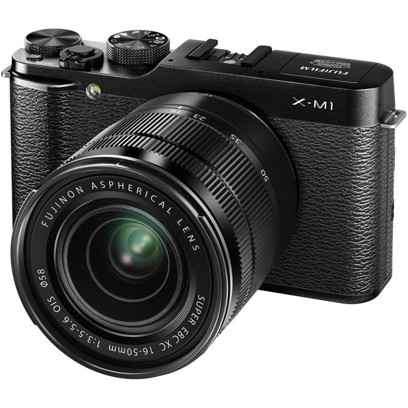 Fujifilm X-M1 + 16-50mm + 27mm, must