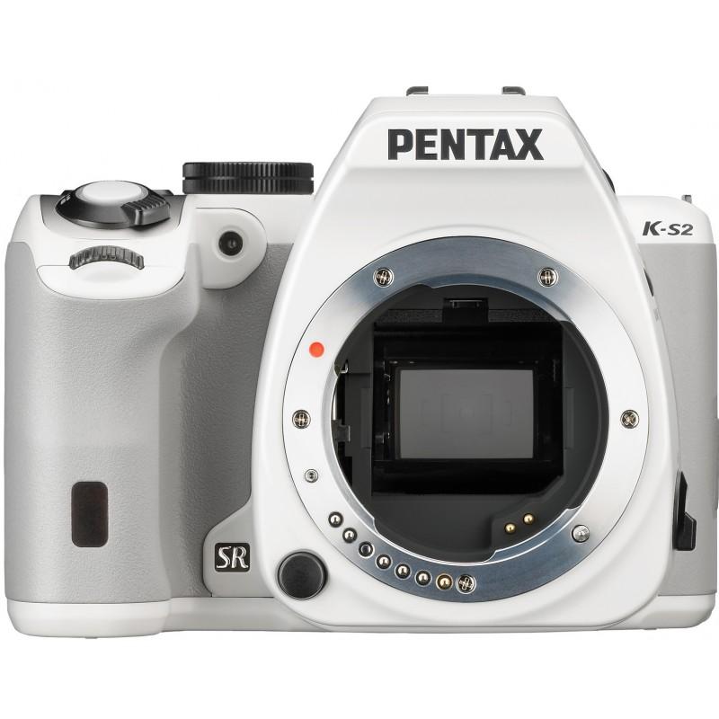 Pentax K-S2 + DA 18-135 WR Kit valge