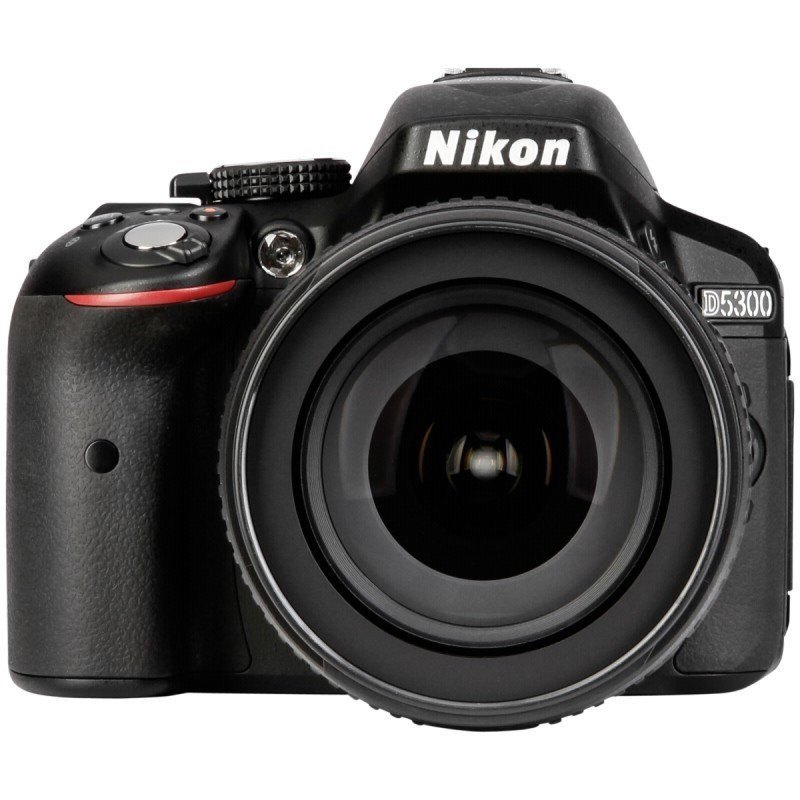Nikon D5300 + 18-105mm VR Kit, must